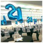 Centro de Mesa com 2 balões em número.