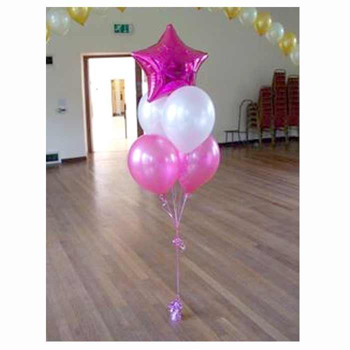 Centro de Mesa com 4 balões + 1 balão em estrela.
